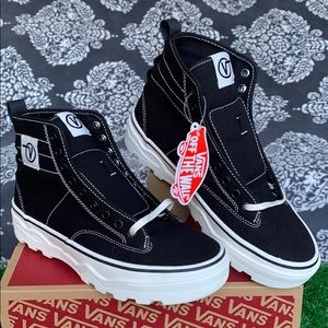 VANS SENTRY Wc Canvas Black/Marshmallow WMNS